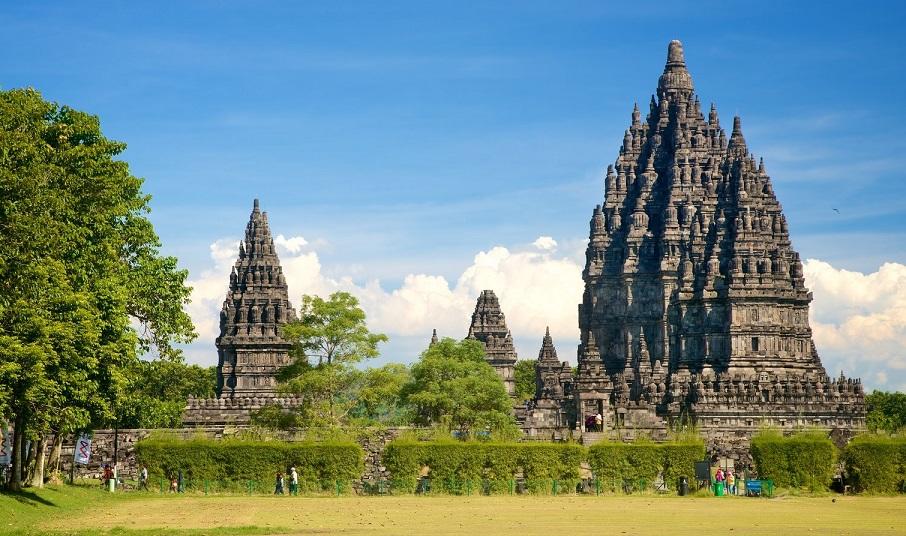 central jawa prambanan temple
