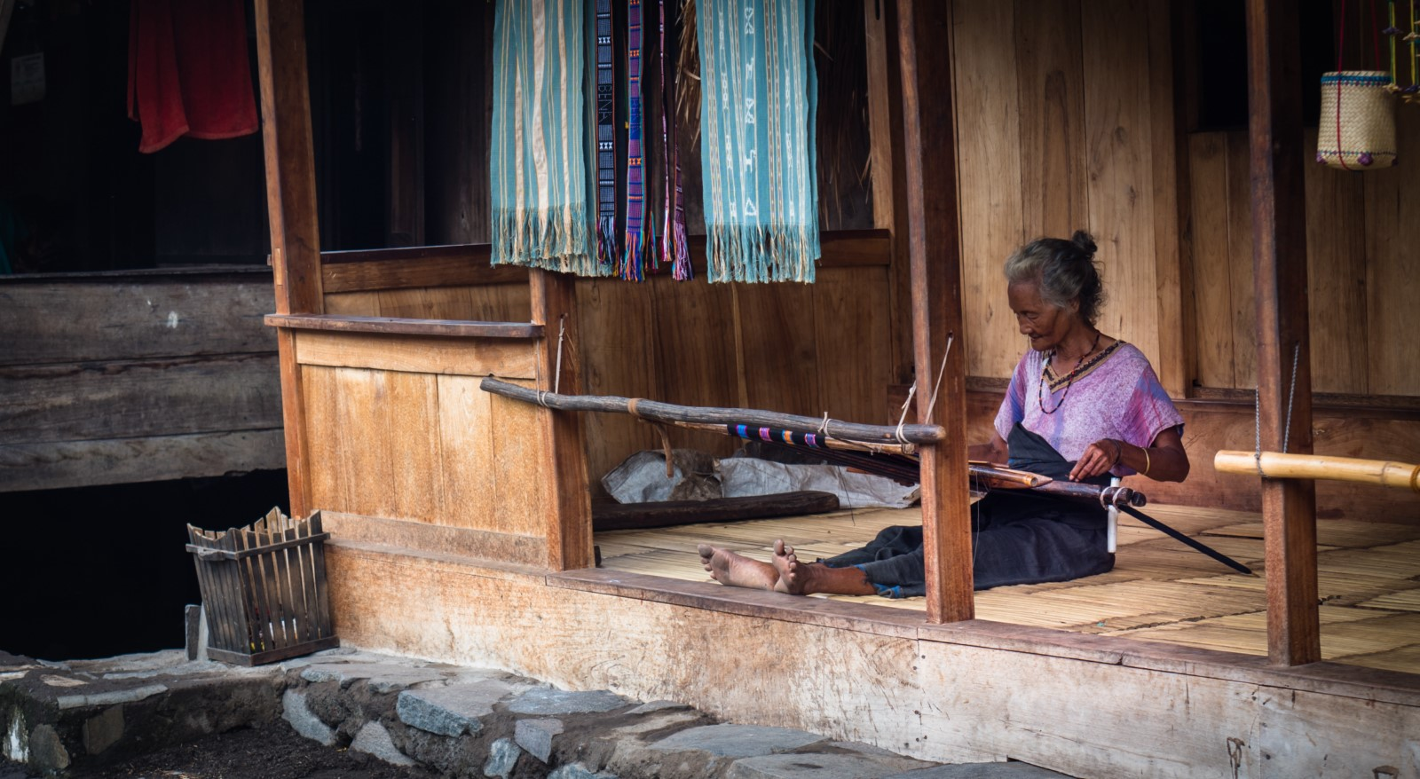 ikat weaving in flores
