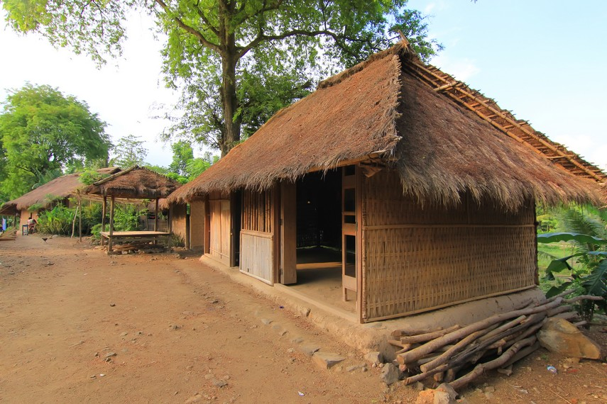 ende village houses