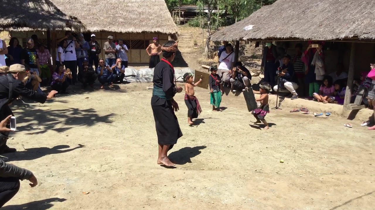 sasak ende village tradition