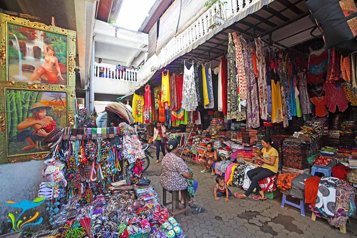 sukawati traditional art market