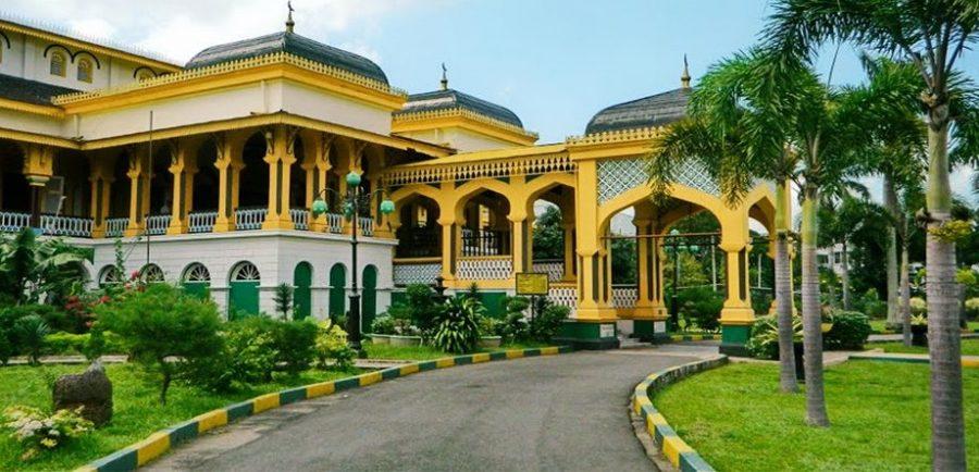 maimun palace in medan