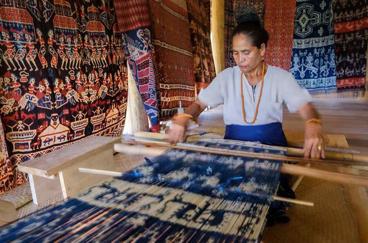 process of making the ikat fabric