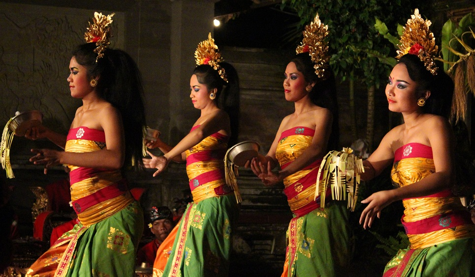 balinese-dance-authentic-indonesia