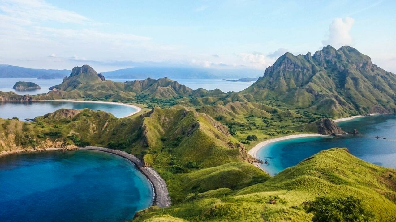 the top things to do in indonesia komodo national park