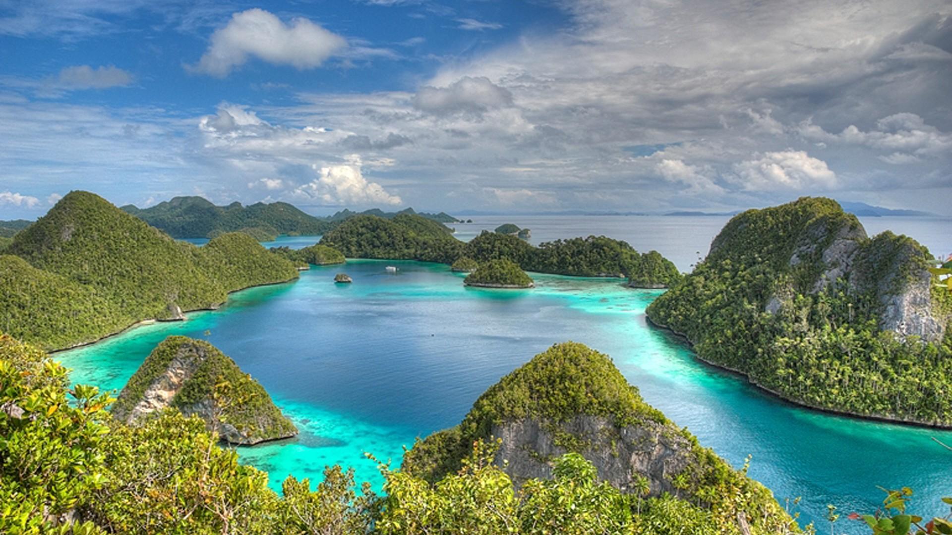 raja ampat island beach