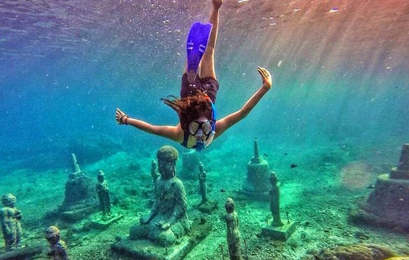 activity snorkeling at toyapakeh