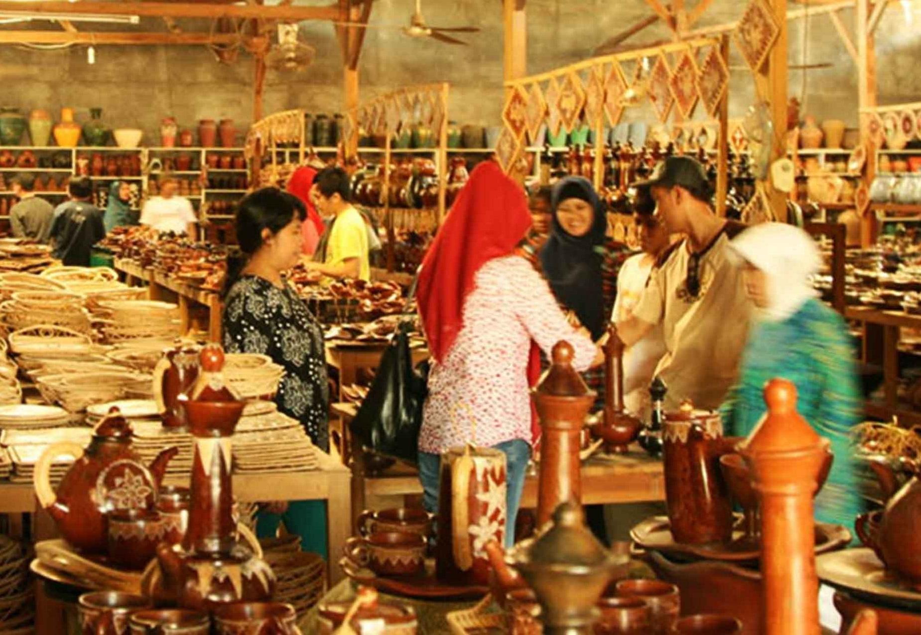 Banyumulek pottery village