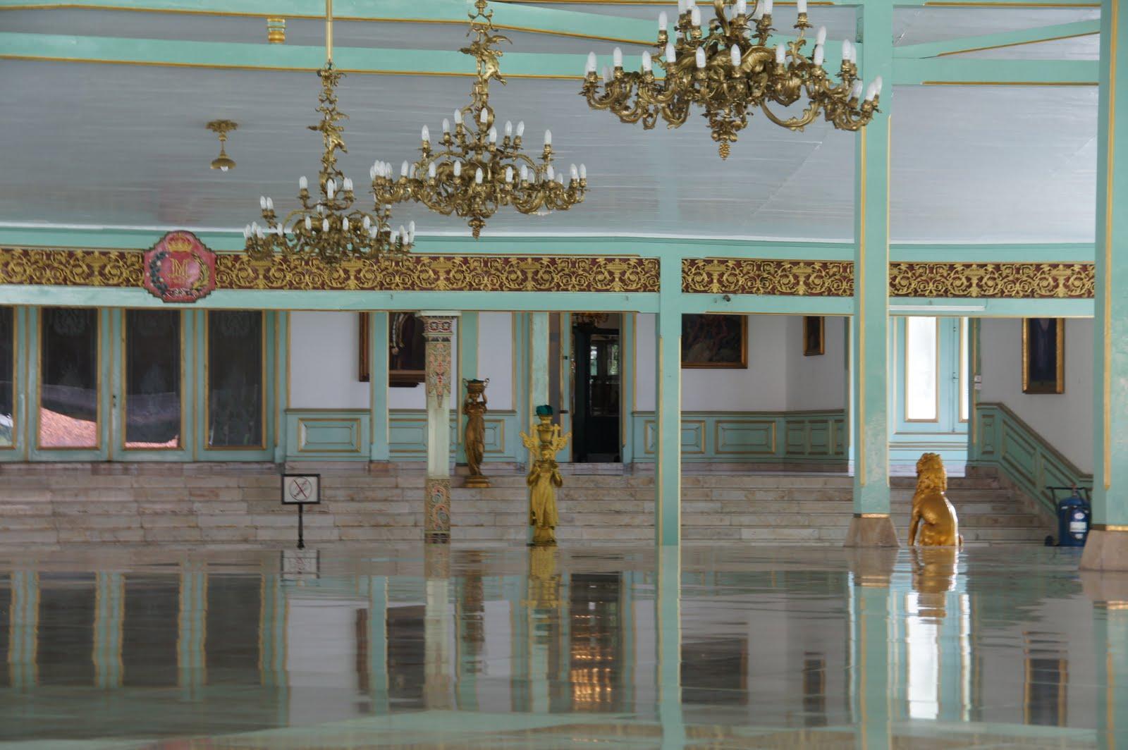 mangkunegaran palace solo