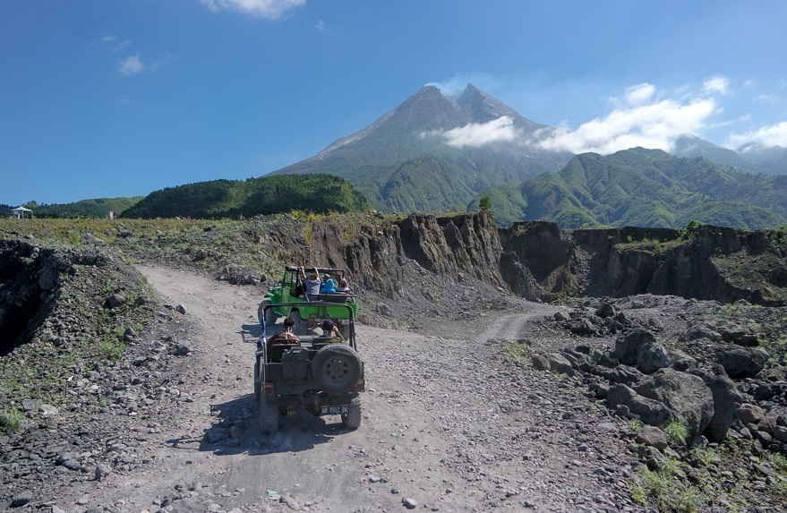 merapi tour by jeep