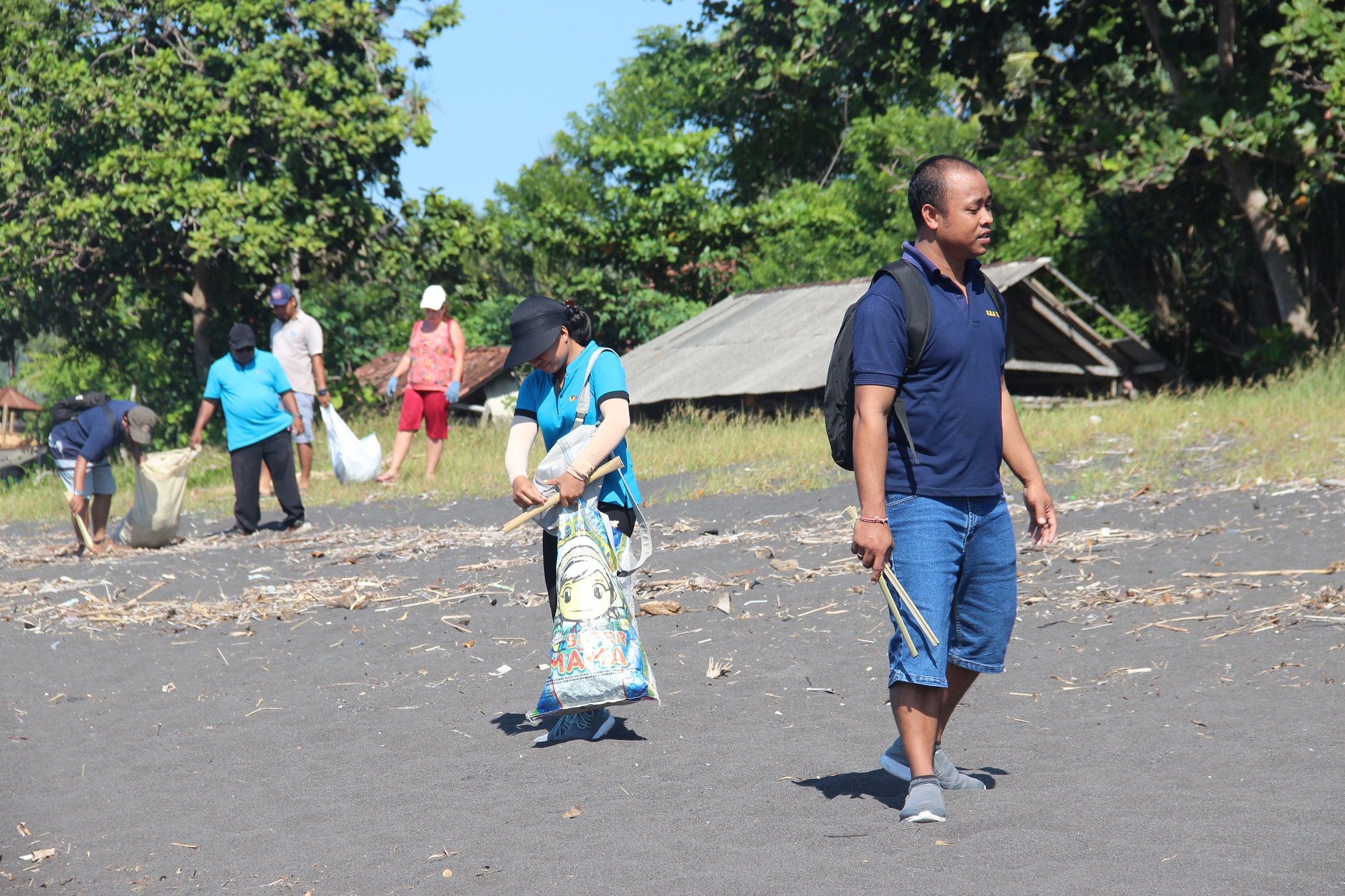 authentic indonesia clean up project