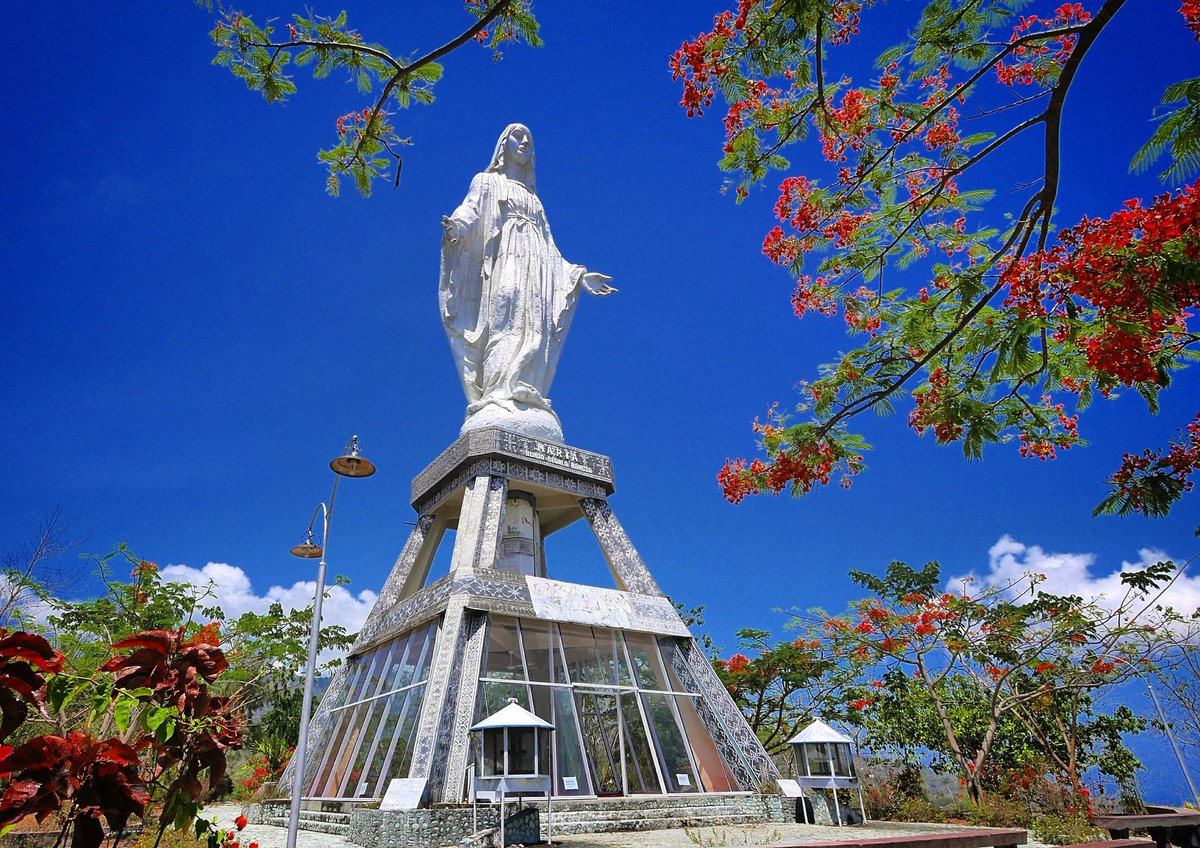 lady of grace figure statue in nilo hill