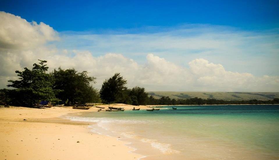 sumba londa lima beach