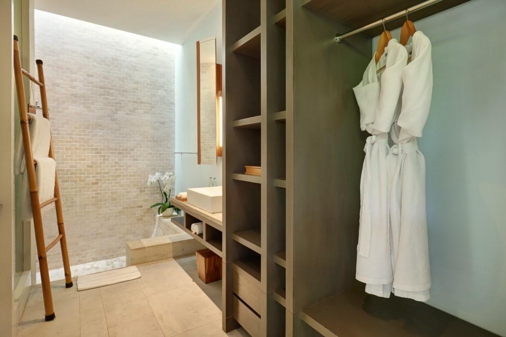 the-elysian-seminyak-01bedroom-bathroom [1024x768]
