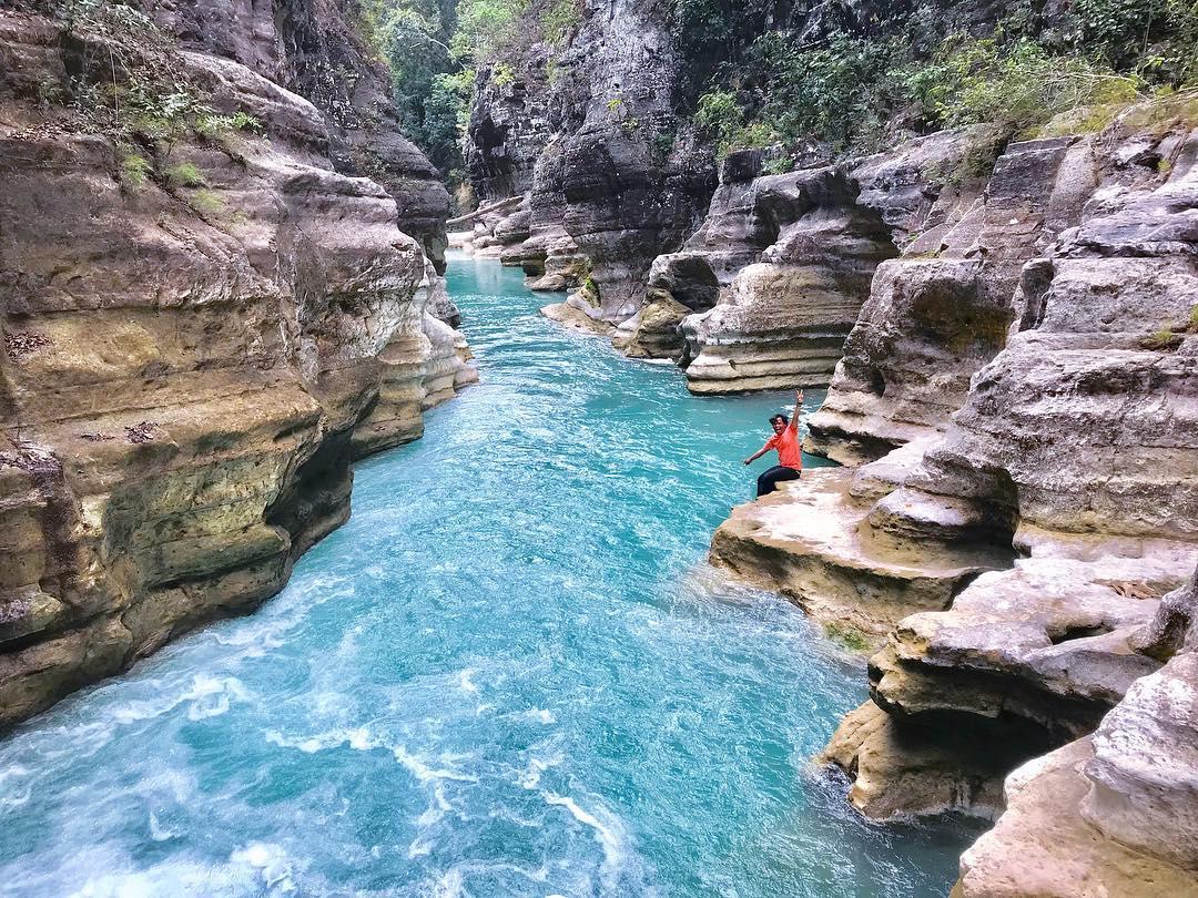 twin canyon in east sumba