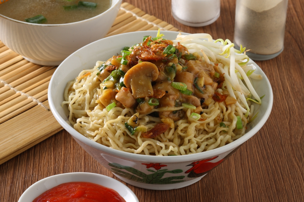 delicious indonesian mie ayam