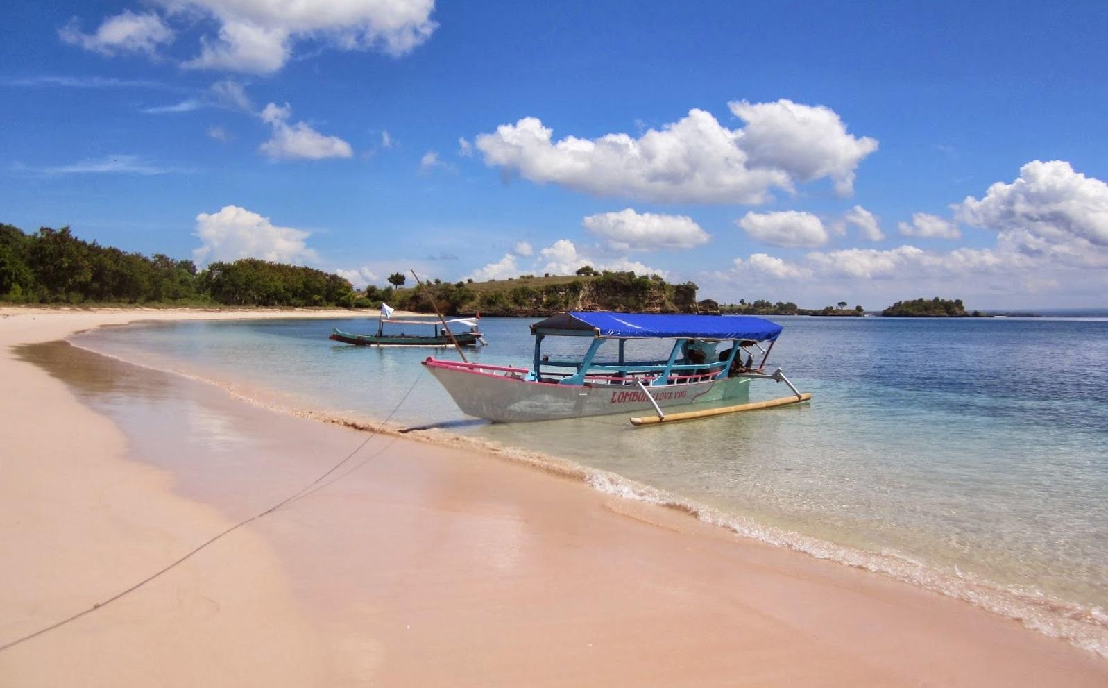 family vacation at pink-beach-lombok
