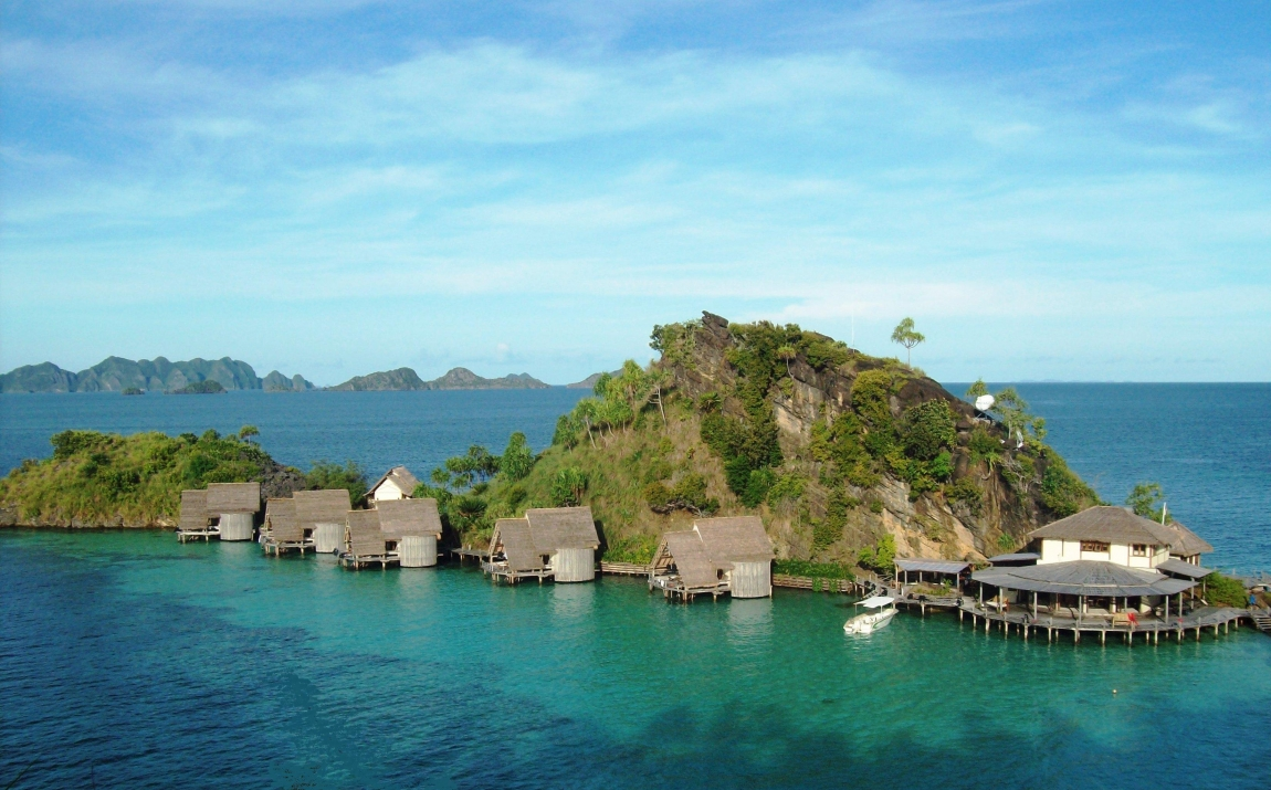 misool eco resort for honeymooners