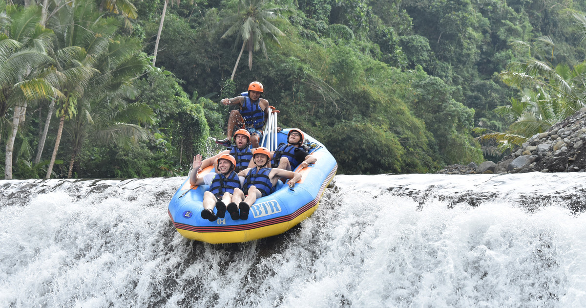 rafting in telaga waja river