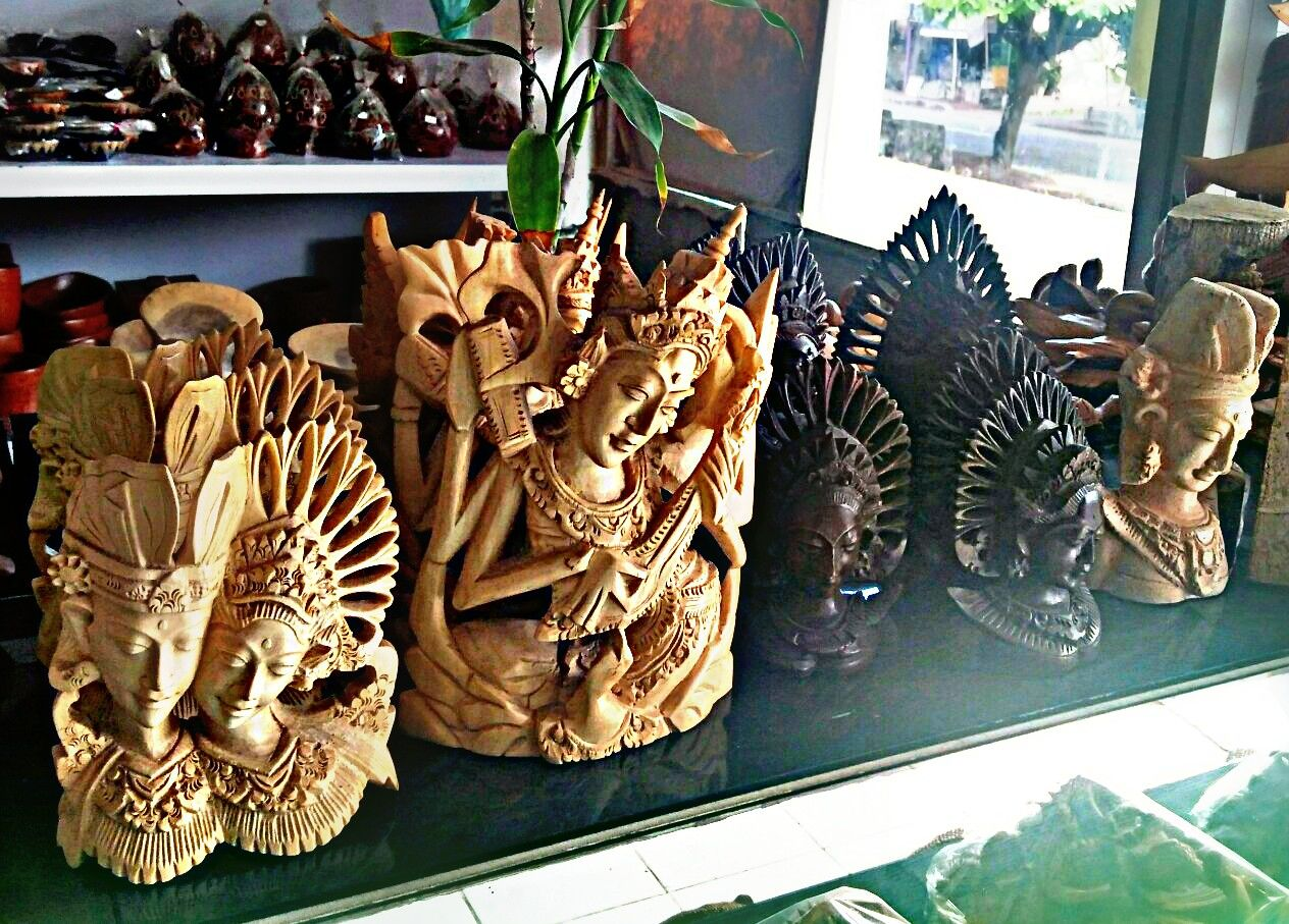 balinese woodcraft as gifts