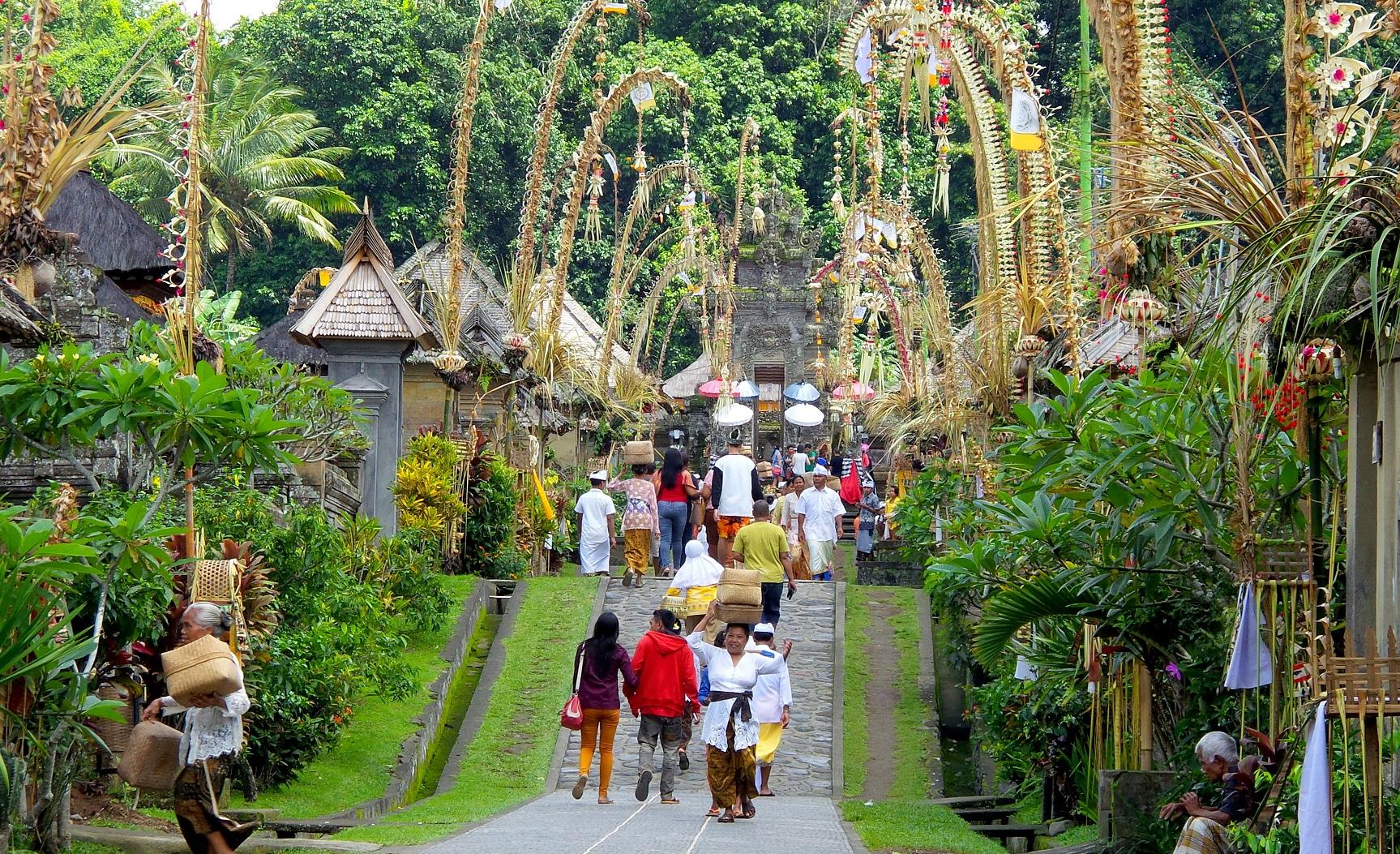 balinese kuningan celebration