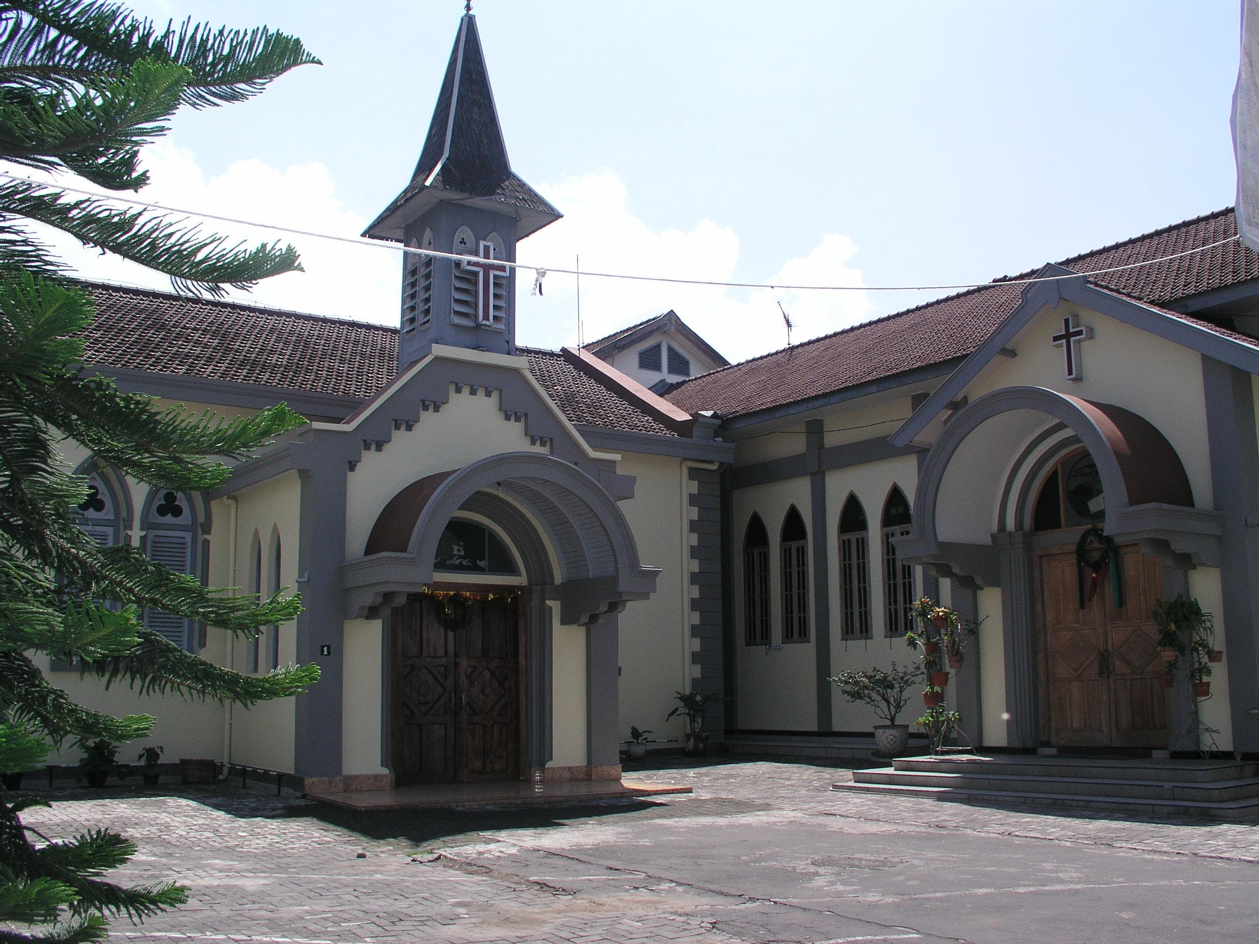 colonial building in salatiga