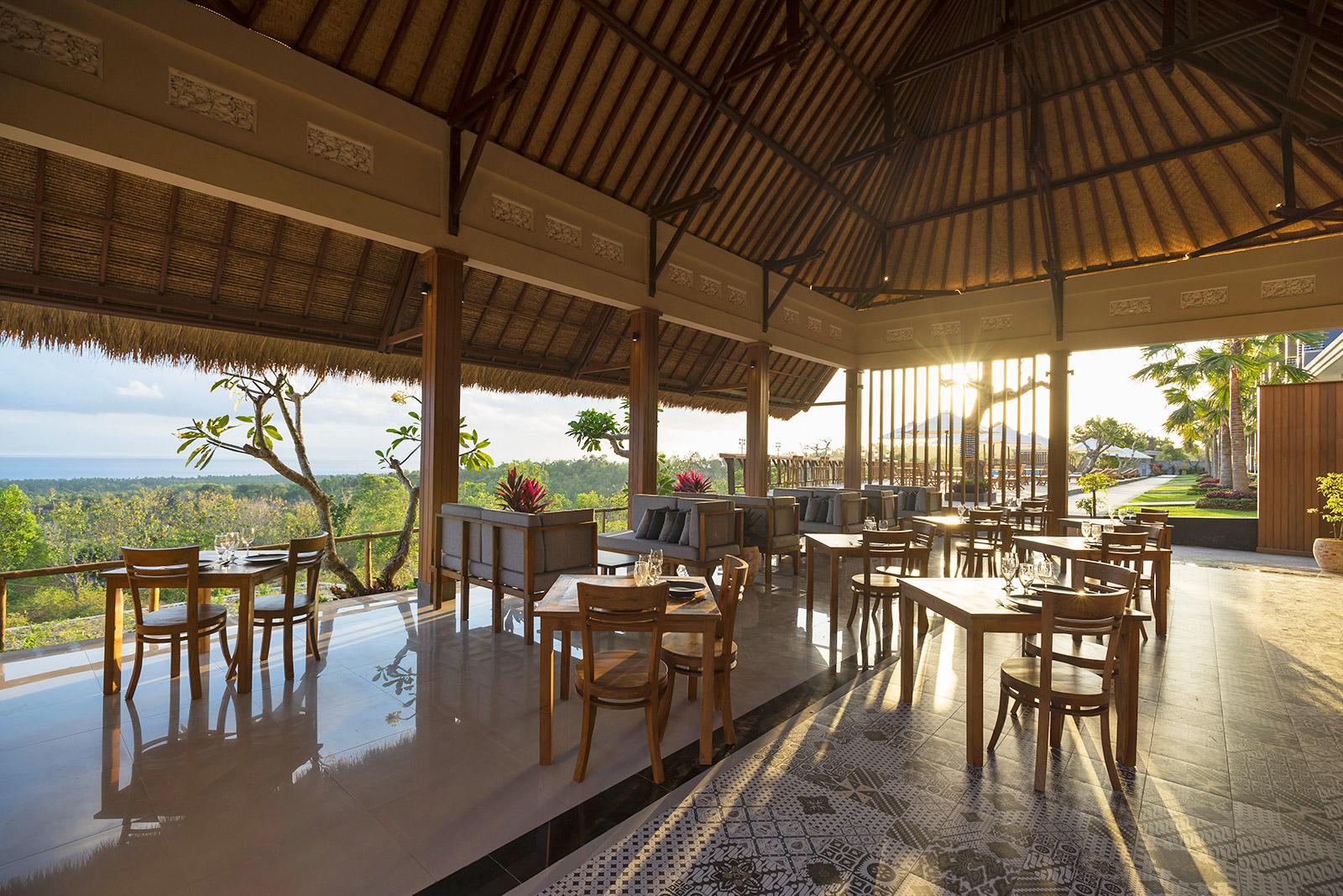 hotel with restaurant in nusa penida