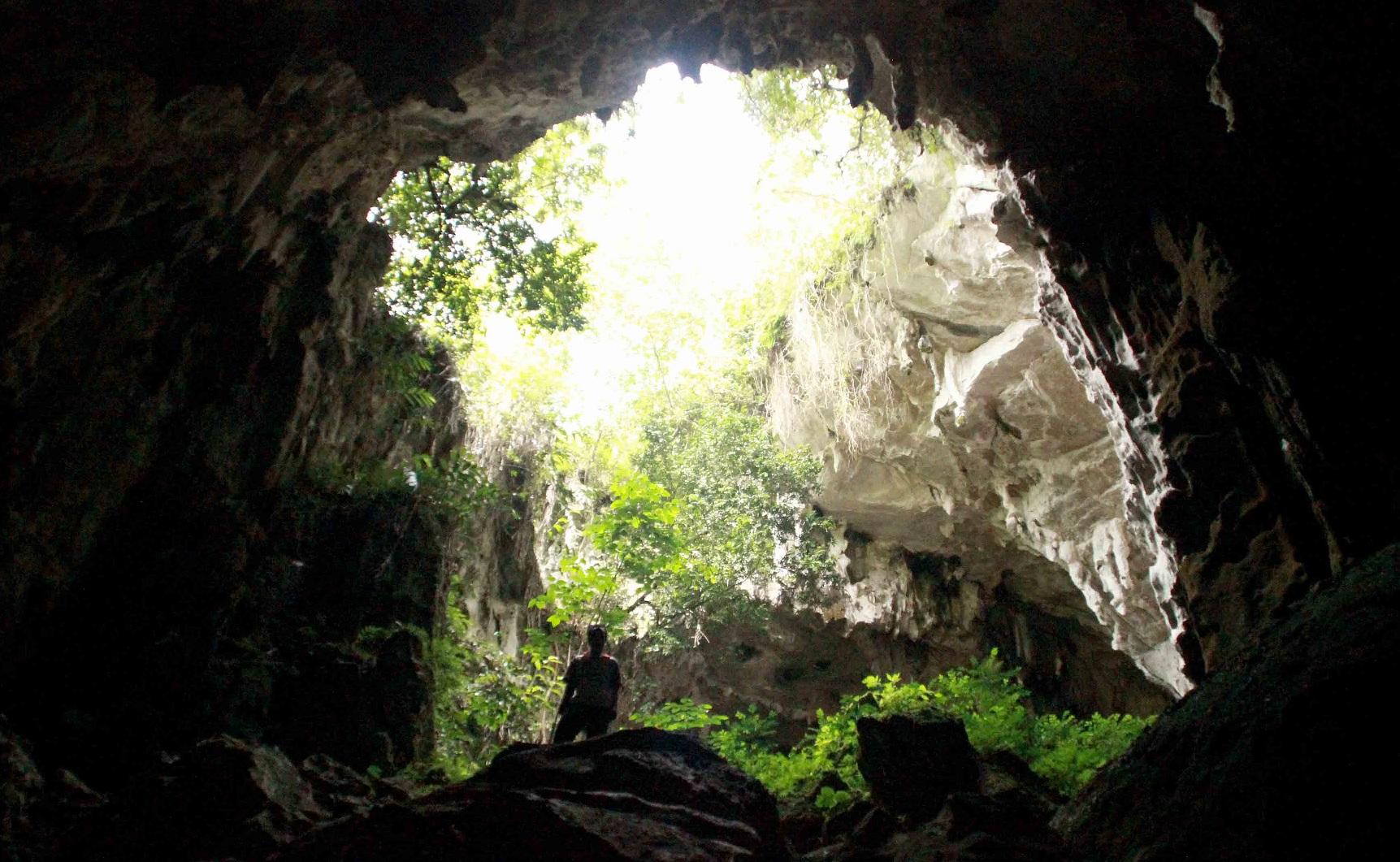 kontilola cave in baliem valley area