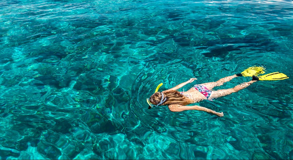 snorkeling activity in gili air