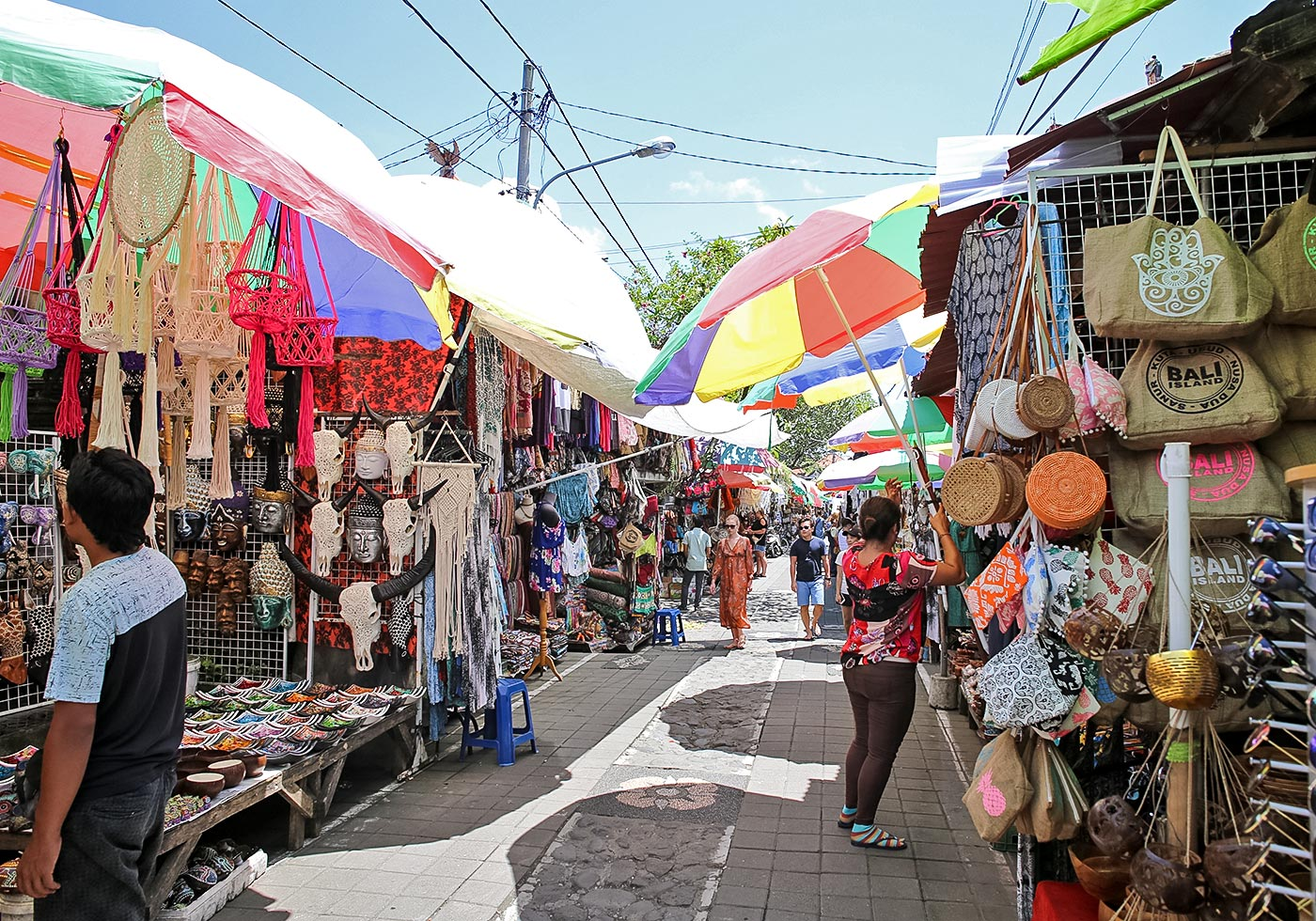 to see the famous ubud art market