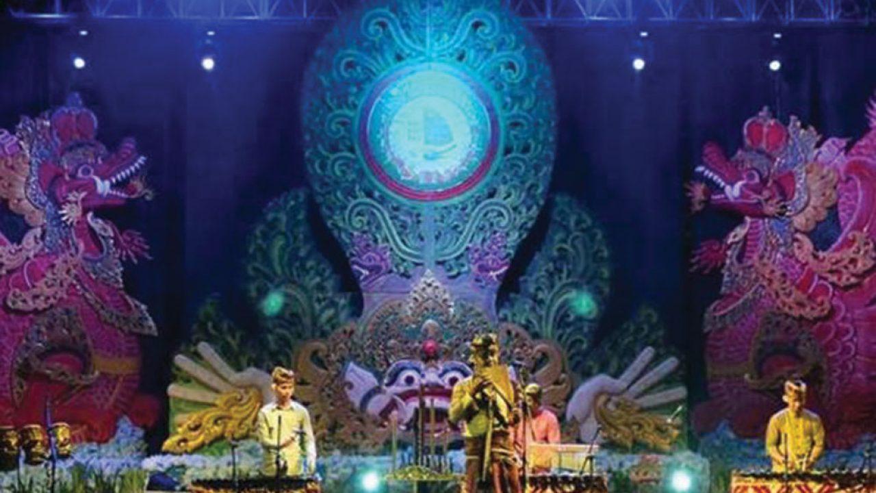 arts performance in sanur village festival