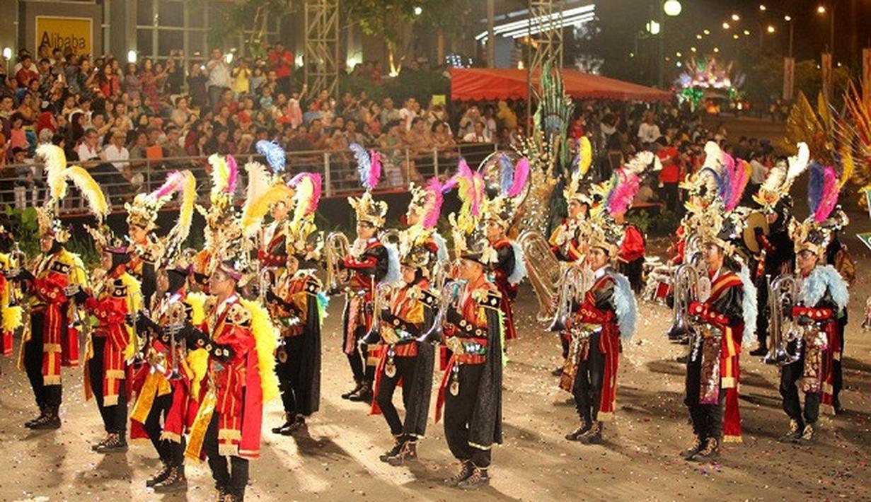 jakarta fashion festival parade