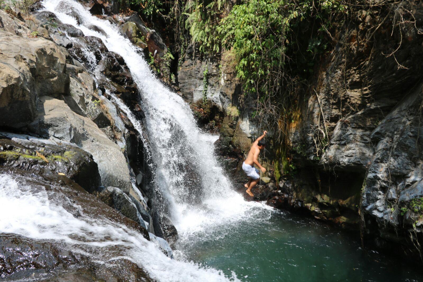 Jump Cliff & Slide at Aling Aling Waterfall