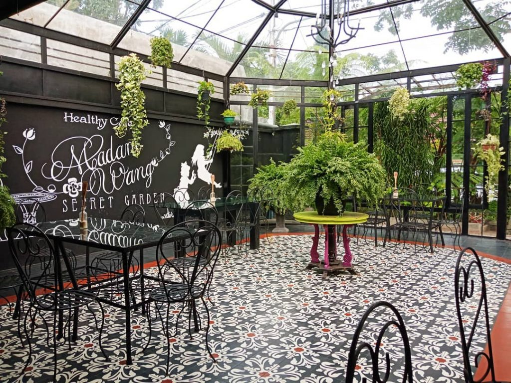 Madam Wang Secret Garden Cafe is a recommended place in malang