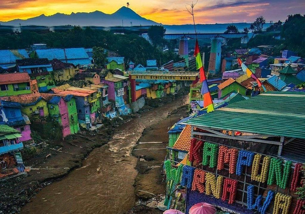 explore the jodipan village
