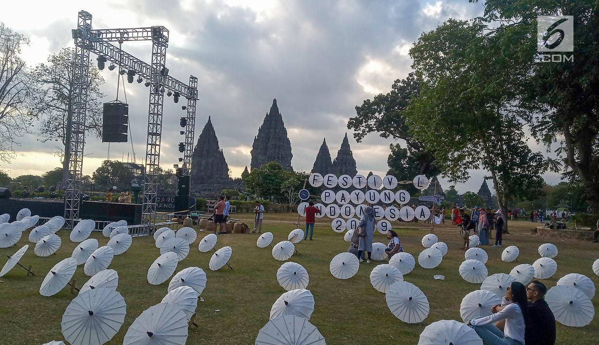 umbrella festival held in prambanan temple