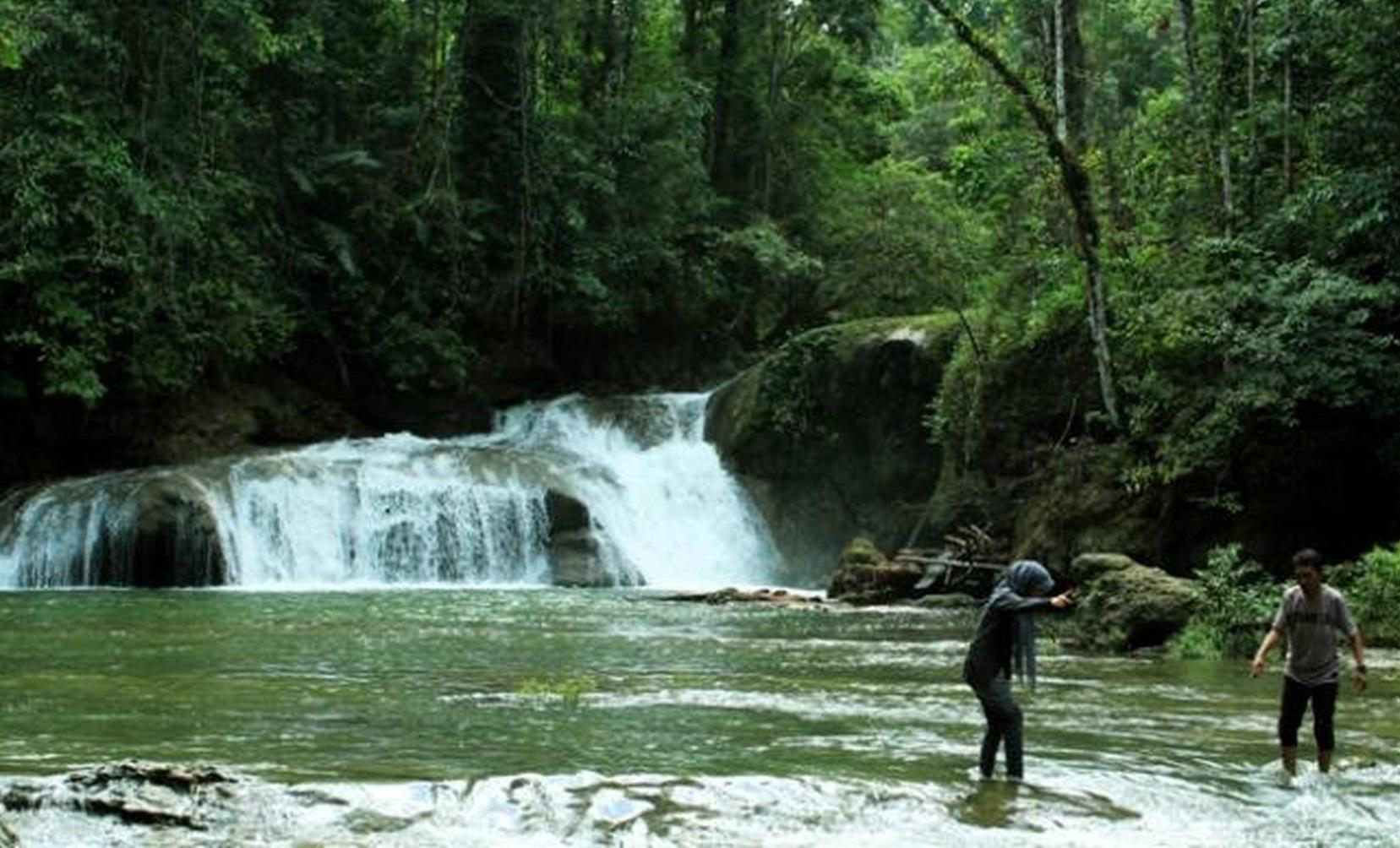 beautiful kalata waterfall in buton