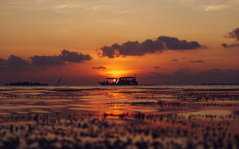 Watch the best sunset in karimunjawa