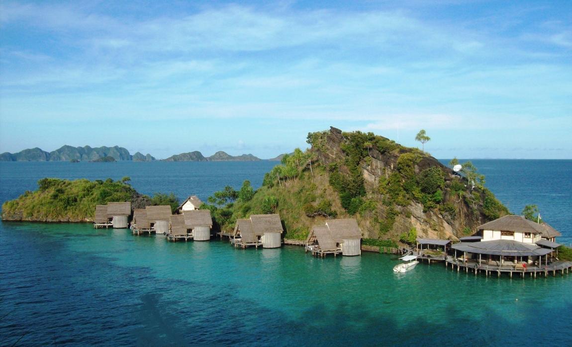 floating Misool Eco Resort in raja ampat
