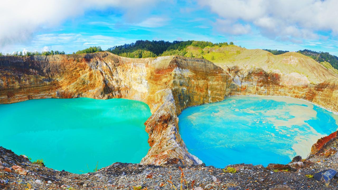 kelimutu lake with three craters