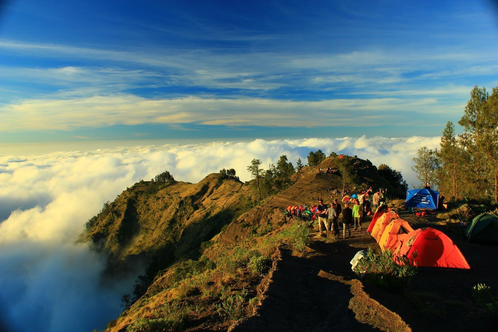 rinjani trekking through sembalun