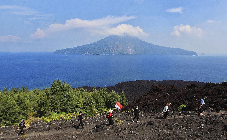 active volcano mount krakatau