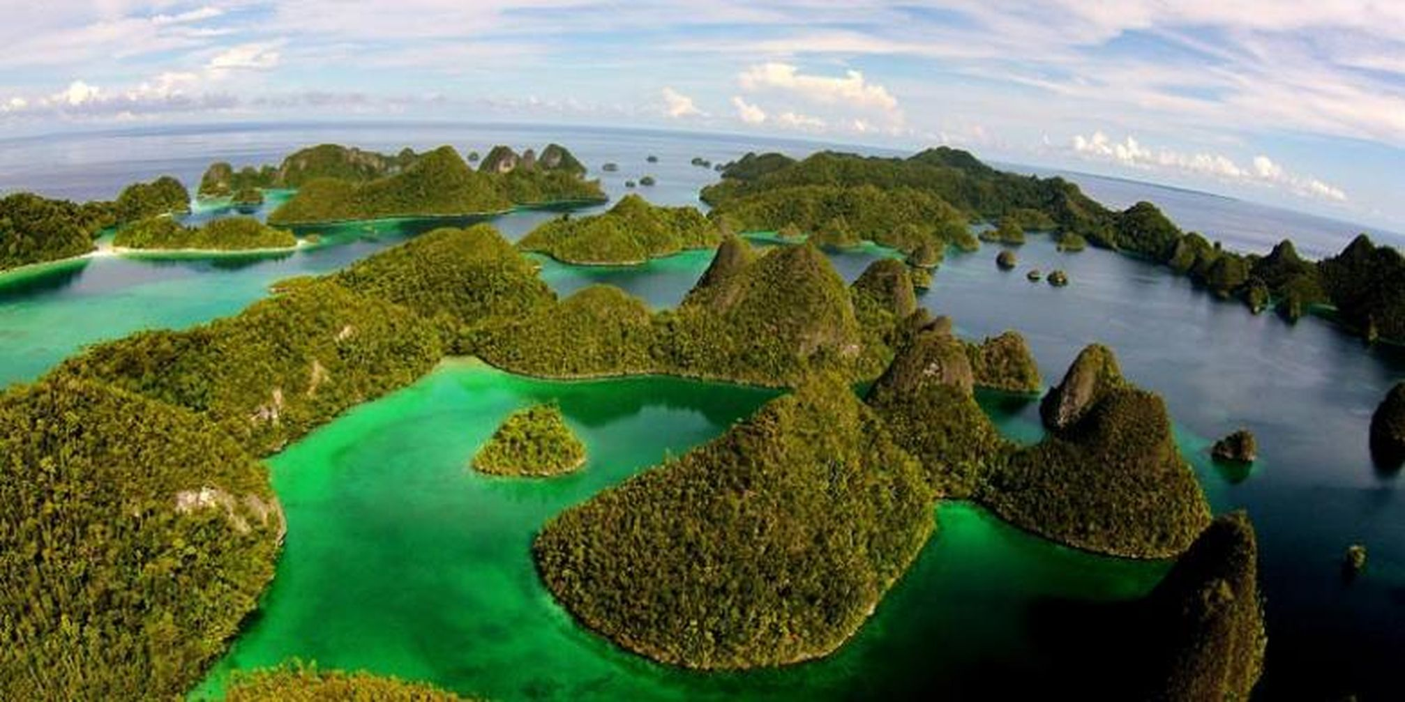 amazing wayag island the raja ampat icon