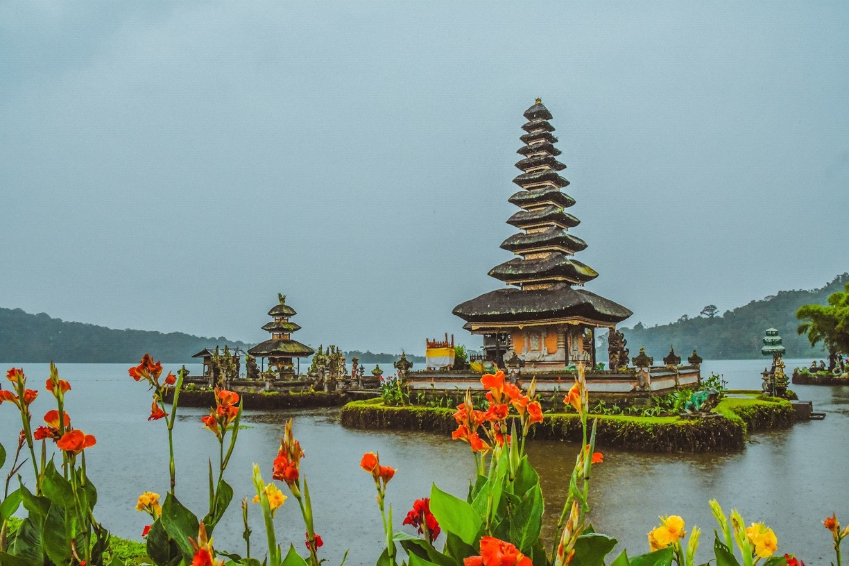 bali beratan lake with beautiful temple in the midle of it