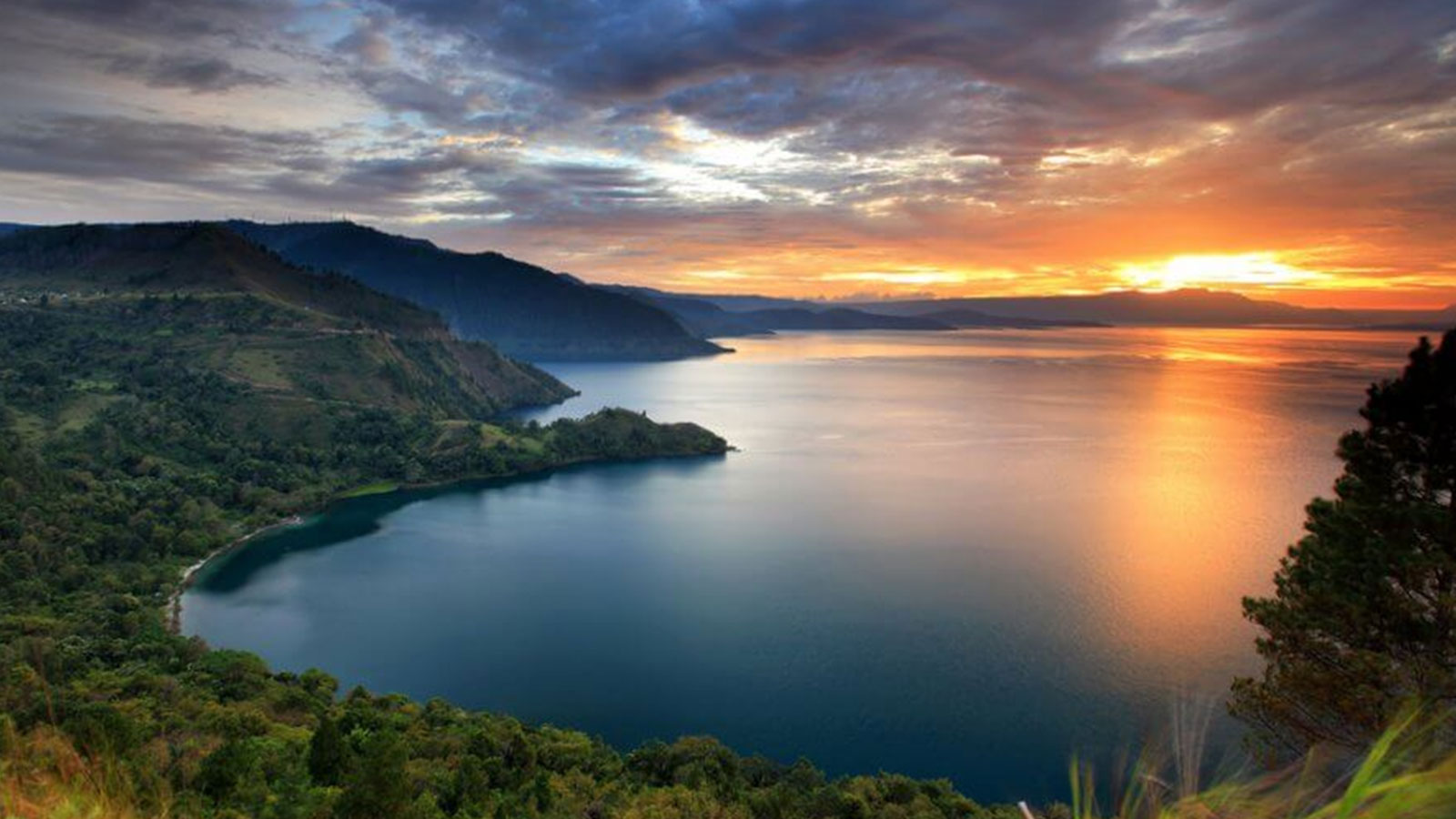 beautiful toba lake in north sumatra