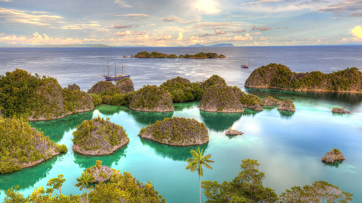 indonesia is top 10 best countries to visit
