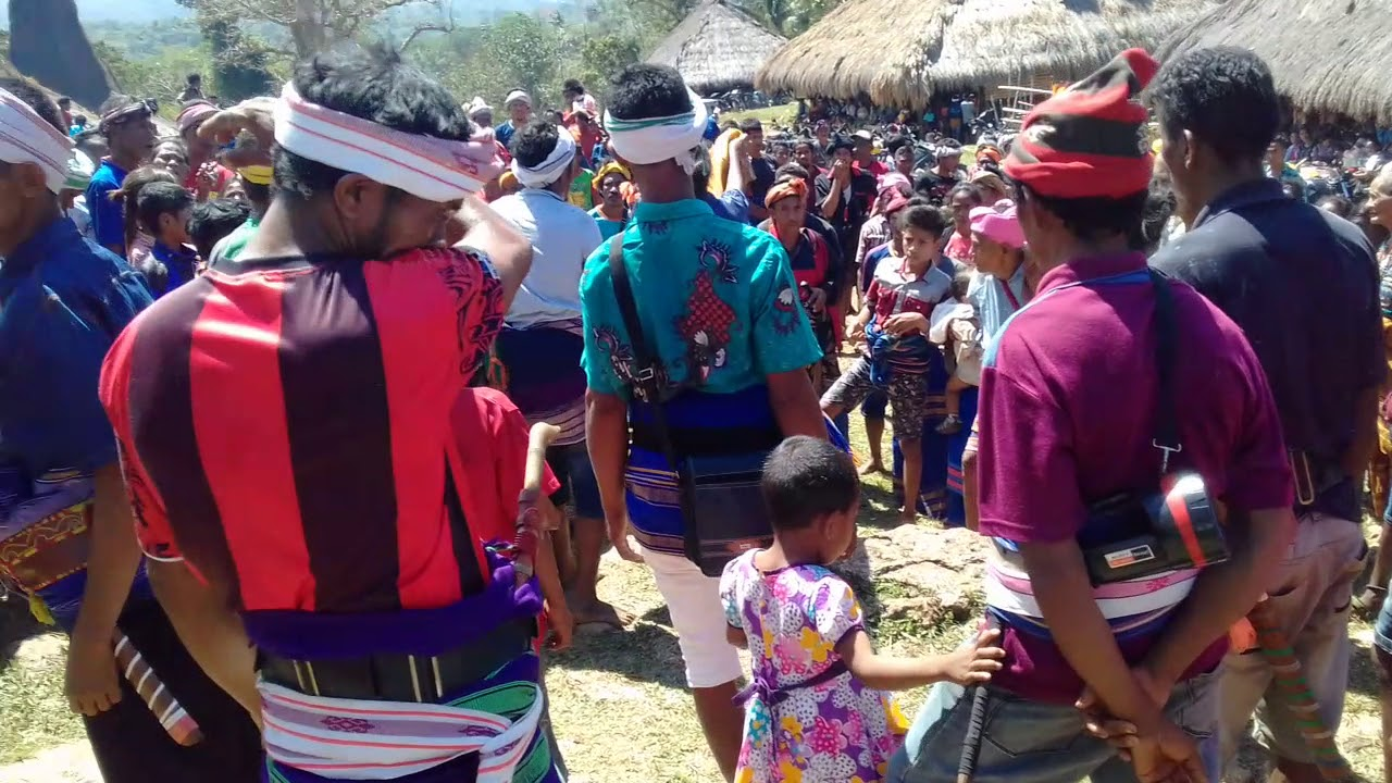 kede traditions in sumba
