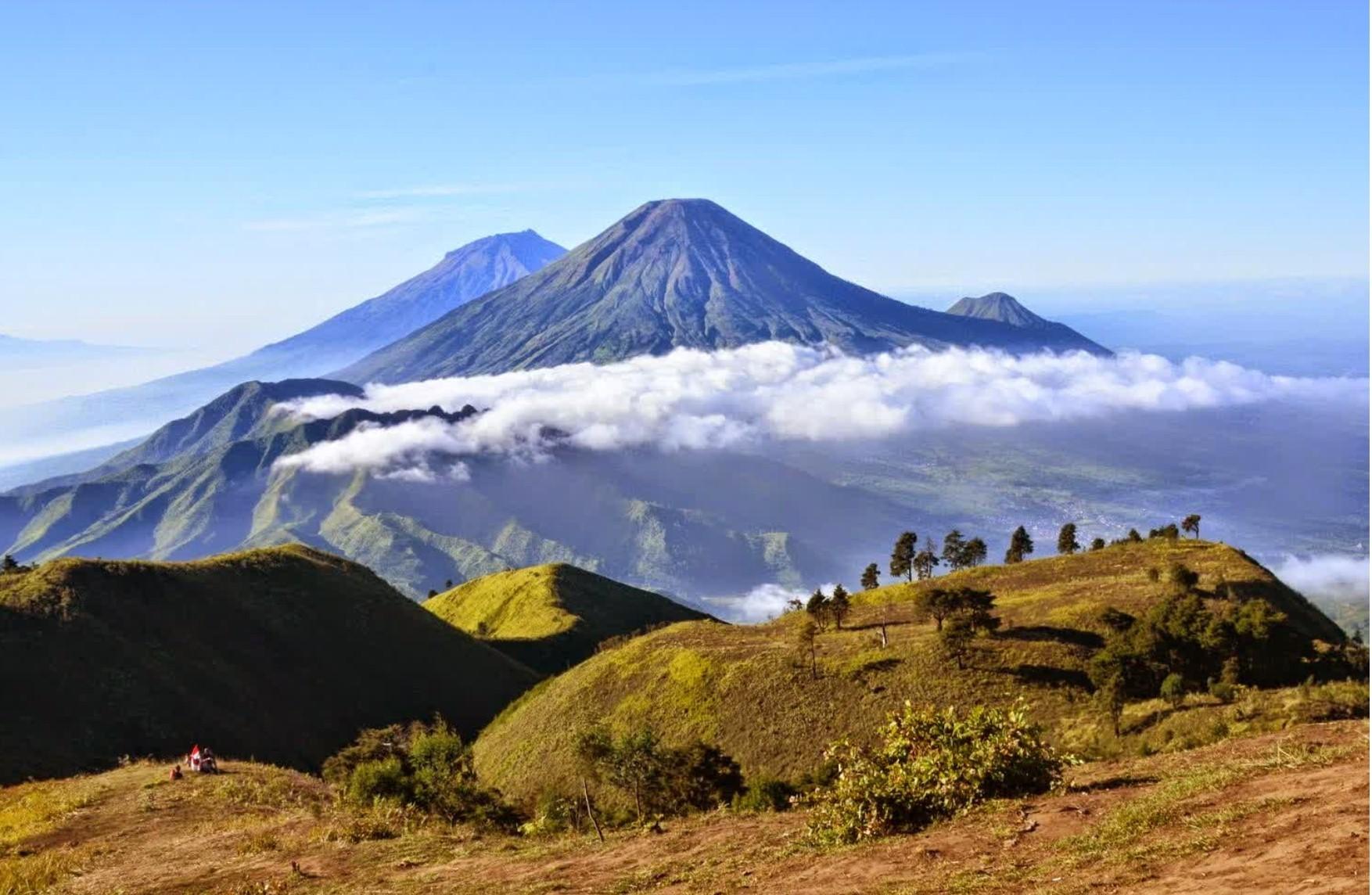 mount prau in volcano area