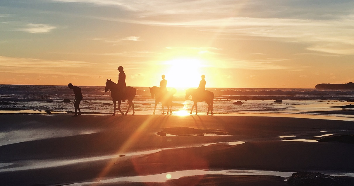 one of the best sunset view in nihiwatu beach