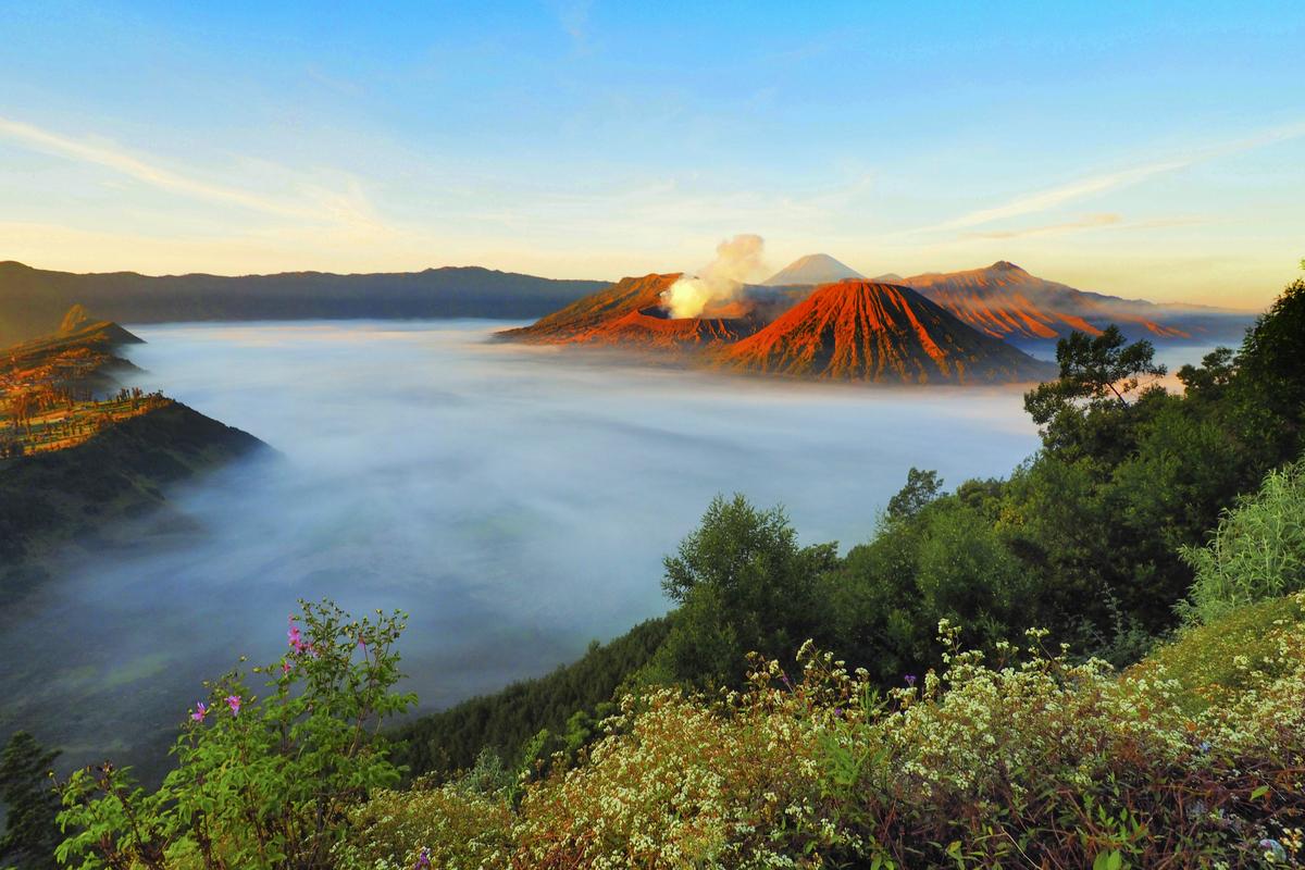 semeru volcano scenery